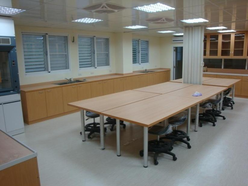 The laboratory space of Dongsha Atoll Research Station